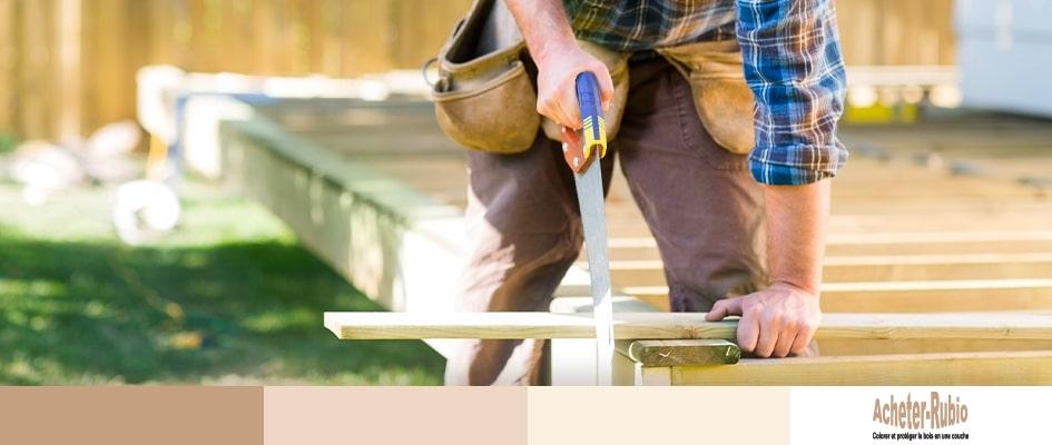 Entretenir la finition d'une terrasse en bois